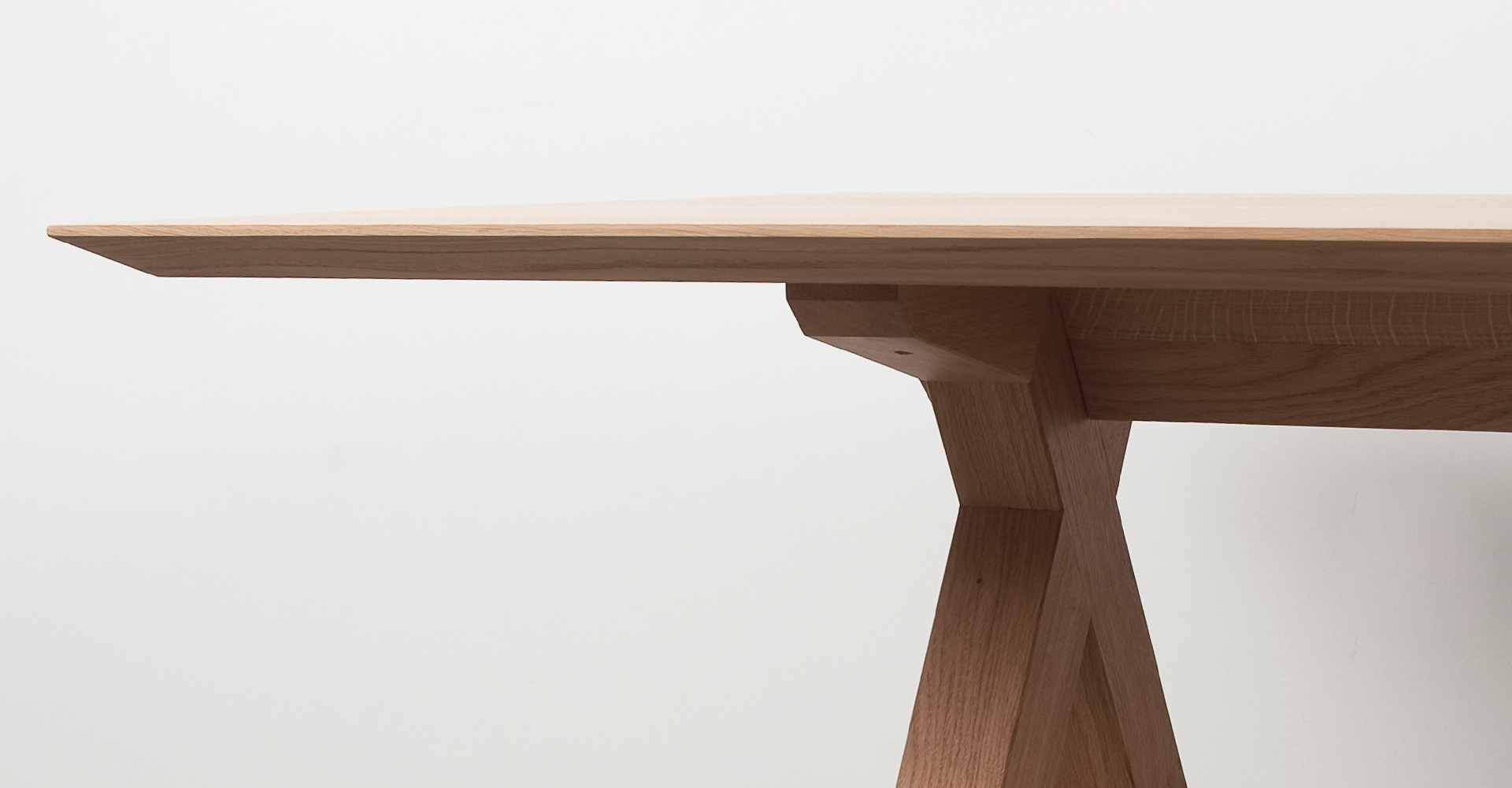 benoit-deneufbourg_crossing-table_00